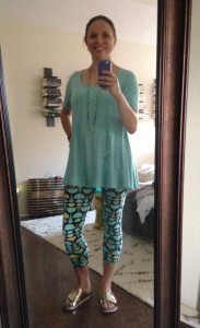 LuLaRoe Perfect T, LuLaRoe leggings, gold slides