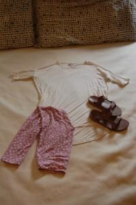LuLaRoe Irma Tunic, LuLaRoe One Size Leggings, lavender Teva slides