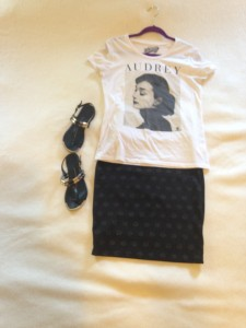 Graphic Tee, Black with gold polka dots LuLaRoe Cassie skirt, black sandals