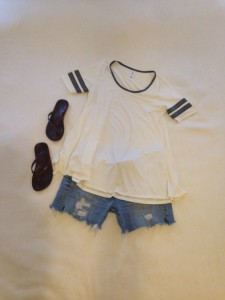 Ivory with gray band LuLaRoe Perfect Tee, cutoffs, brown flip flops