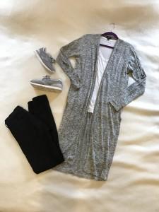 Gray duster cardigan, white v-neck tee, black skinny jeans, gray sneakers