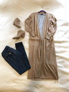 Camel duster cardigan, gray t-shirt, skinny jeans, camel mule heeled booties