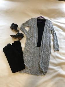 Gray duster cardigan, black v-neck tee, black skinny jeans, black booties